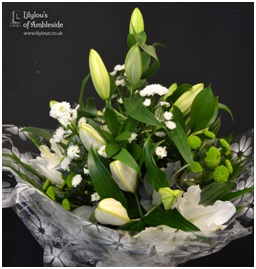 Oriental Lily Hand Tie (Florist Choice)