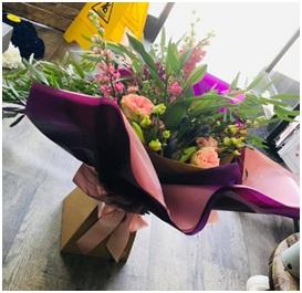 Large Seasonal Aqua Bouquet (Florist Choice)