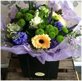 Seasonal Aqua Bouquet (Florist Choice)